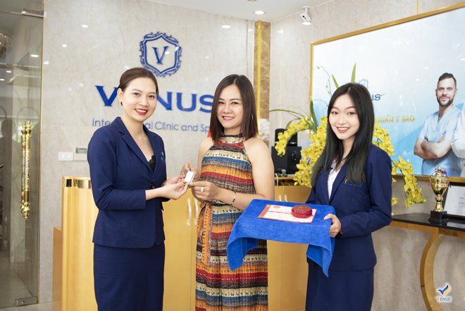 """Tặng vàng 9999 cho mỗi khách hàng làm đẹp - Thẩm mỹ viện Quốc tế Venus """"chơi lớn"""" đón hè sang - 3"""