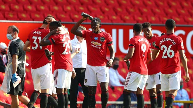 MU đối mặt bi kịch: Không có vé C1, nhìn Liverpool vô địch Ngoại hạng Anh - 1