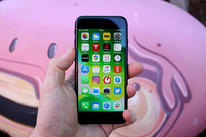"""Chiếc iPhone này giá chỉ dưới 6 triệu đồng, nhưng vẫn """"xưng bá"""" hiện nay - 1"""