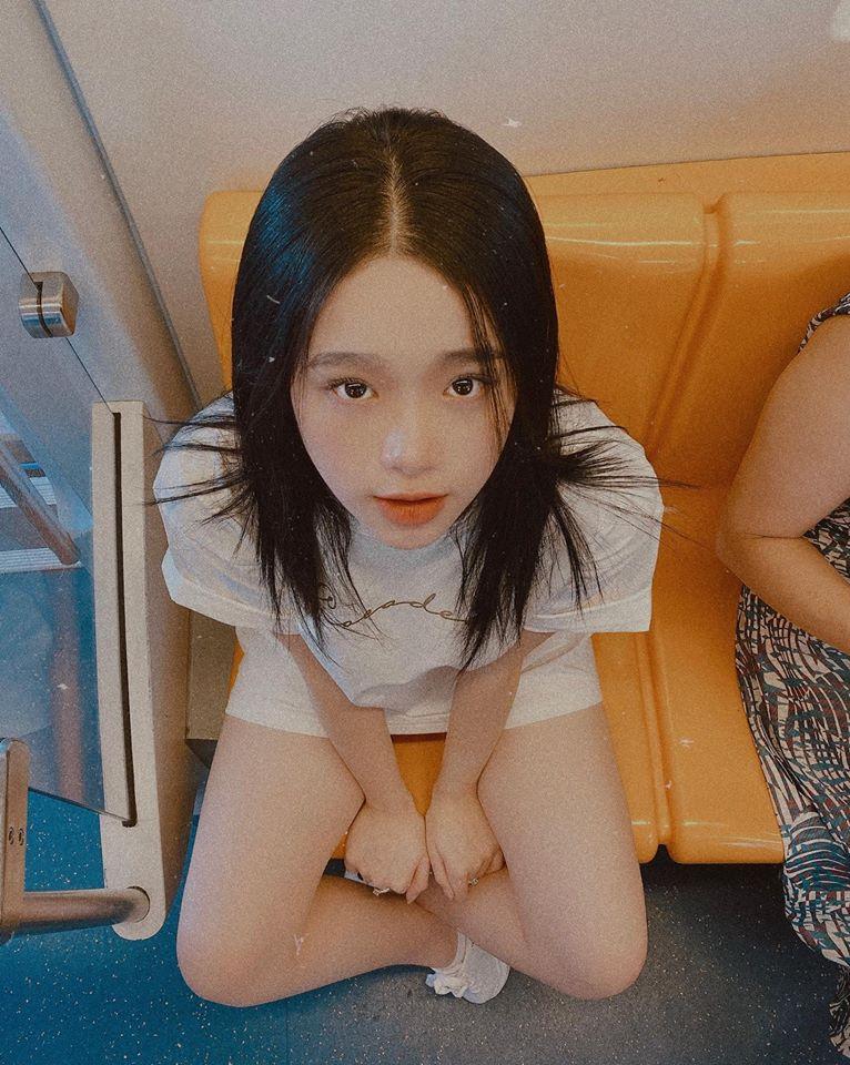 """Thiếu nữ Hà thành có 2 triệu người theo dõi chuộng mặc mốt """"quên quần"""" - 6"""