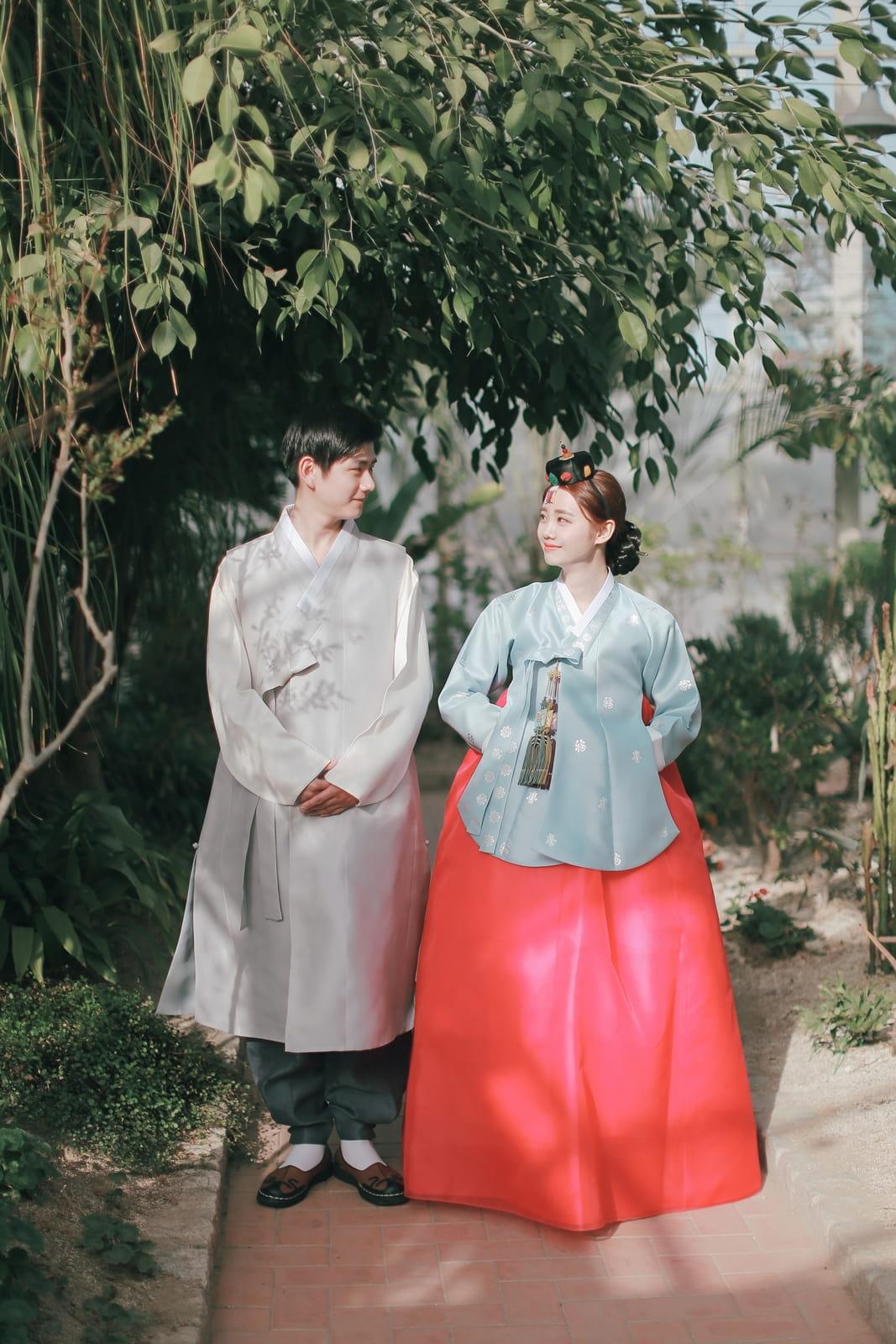 Ồn ào câu chuyện trang phục truyền thống của Hàn Quốc - 3