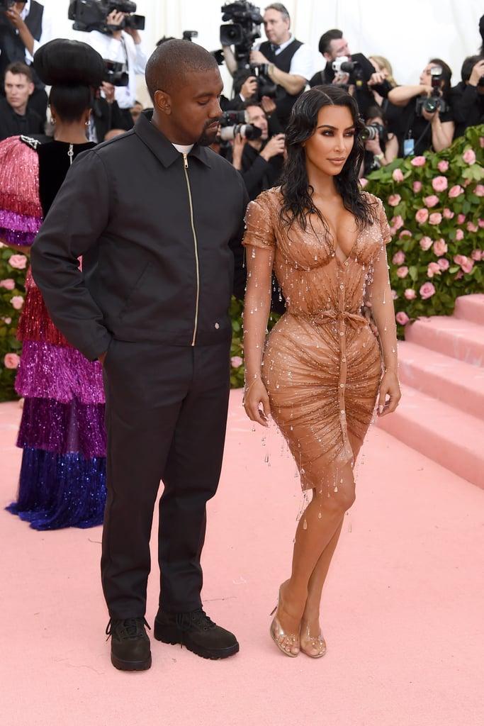 """Chồng không """"tiêu hóa"""" nổi cách ăn mặc, Kim Kardashian vẫn diện quần yếm kỳ quặc - 4"""