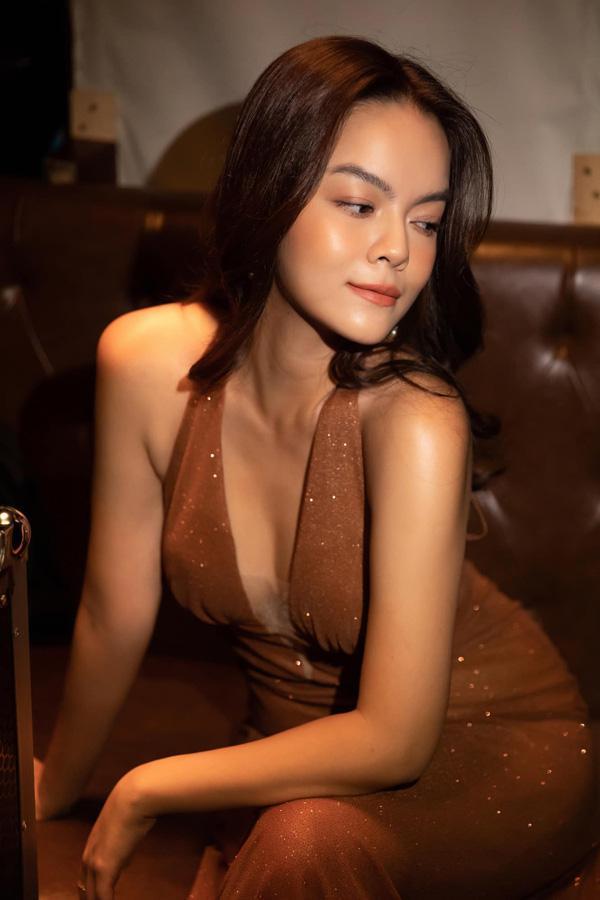 Đời tư trái ngược của 3 nữ ca sĩ tên Quỳnh Anh: Người hôn nhân lận đận, người bí ẩn chuyện chồng con - 1