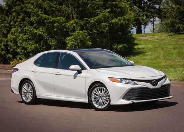 Giá xe Toyota 07/2020: Giá niêm yết, giá lăn bánh các phiên bản - 1