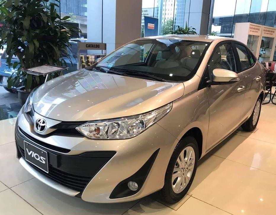 Giá xe Toyota 07/2020: Giá niêm yết, giá lăn bánh các phiên bản - 2