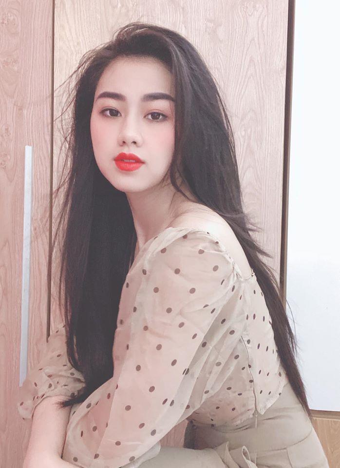 MC truyền hình Việt thế hệ mới: 3 nàng mới vào nghề đẹp nổi trội, hông nở eo thon
