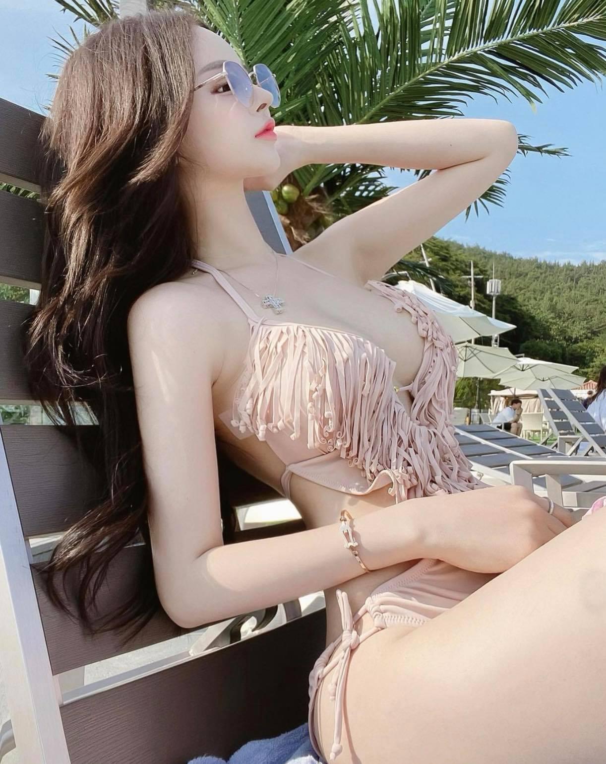 """""""Búp bê Barbie Hàn Quốc"""" đến phụ nữ cũng phải mê vì khéo mặc tôn nét gợi cảm - hình ảnh 7"""