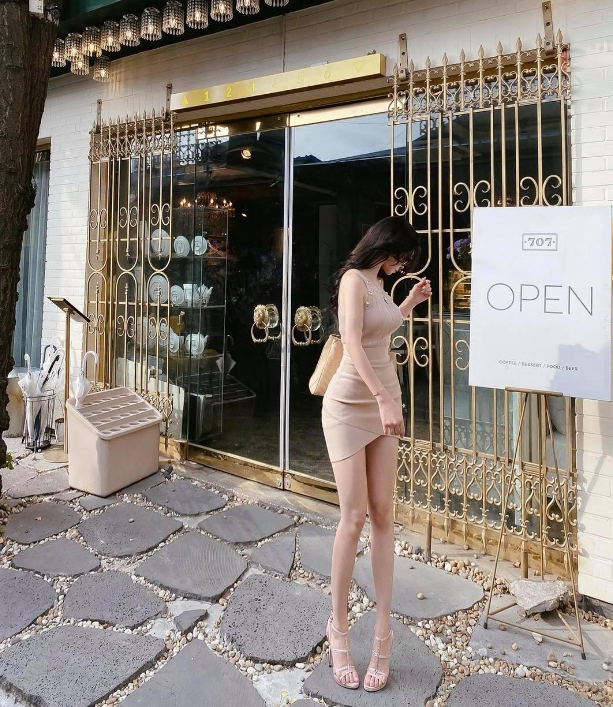 """""""Búp bê Barbie Hàn Quốc"""" đến phụ nữ cũng phải mê vì khéo mặc tôn nét gợi cảm - hình ảnh 4"""