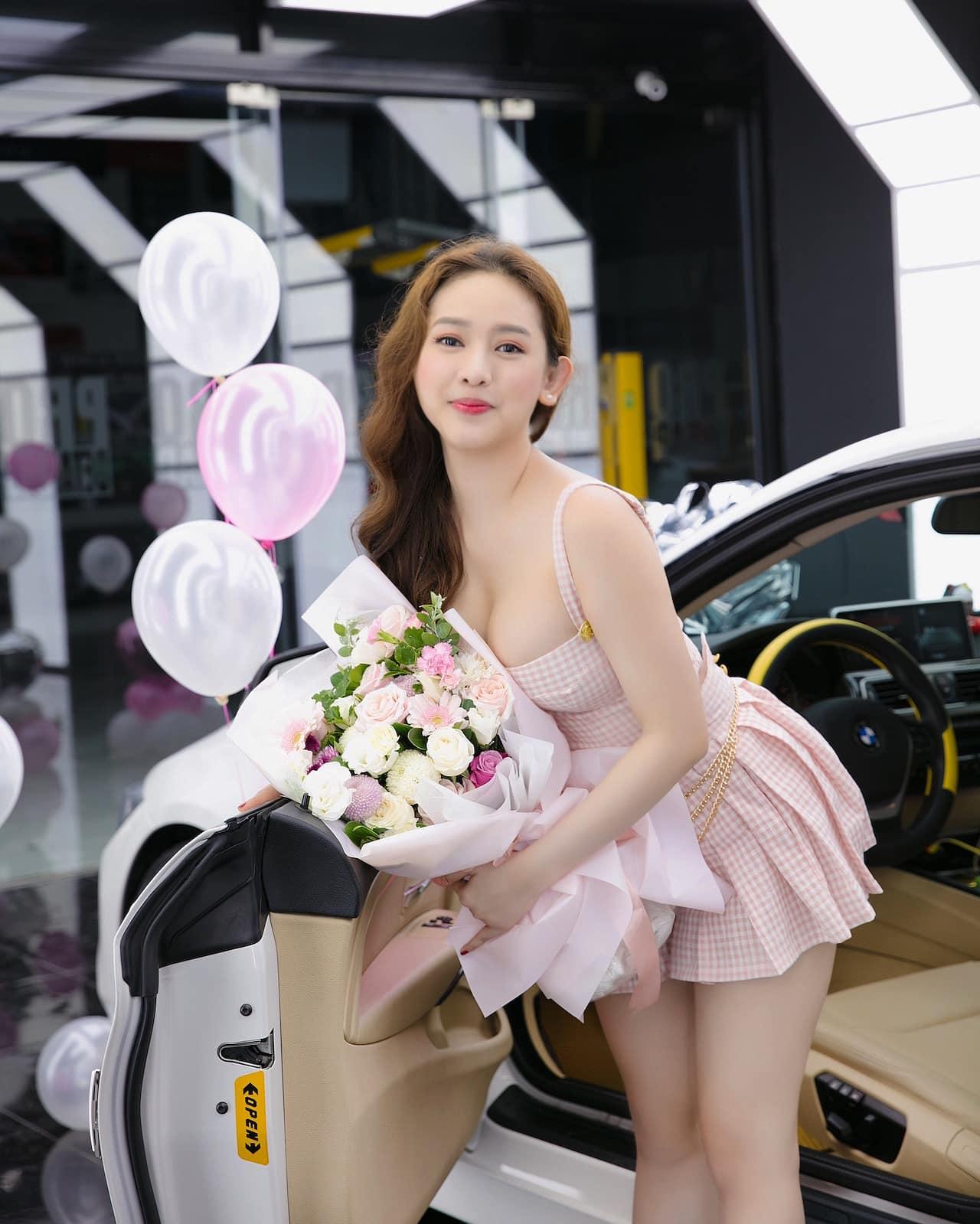 """""""Tình cũ Phan Thành"""" đăng ảnh sexy như gái Nhật """"thả thính"""" trên mạng - hình ảnh 5"""