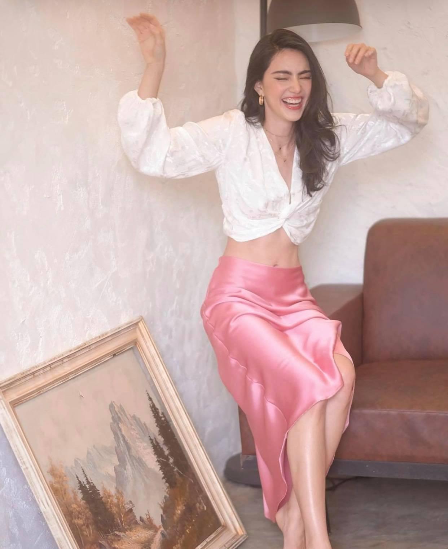 """""""Ma nữ đẹp nhất Thái Lan"""" khoe chiếc bụng đói chỉ 58cm, cơ múi gồ ghề nhờ nhịn ăn 16 tiếng - 4"""