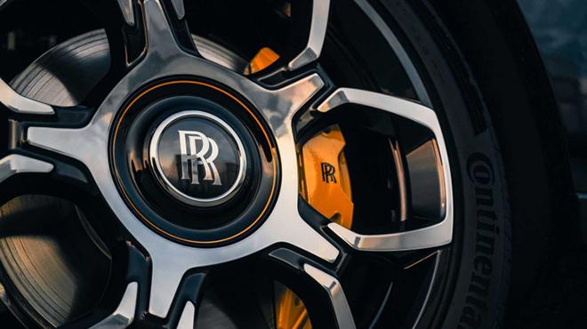 Rolls-Royce Cullinan ngầu hơn trong gói nâng cấp Black Badge - 4