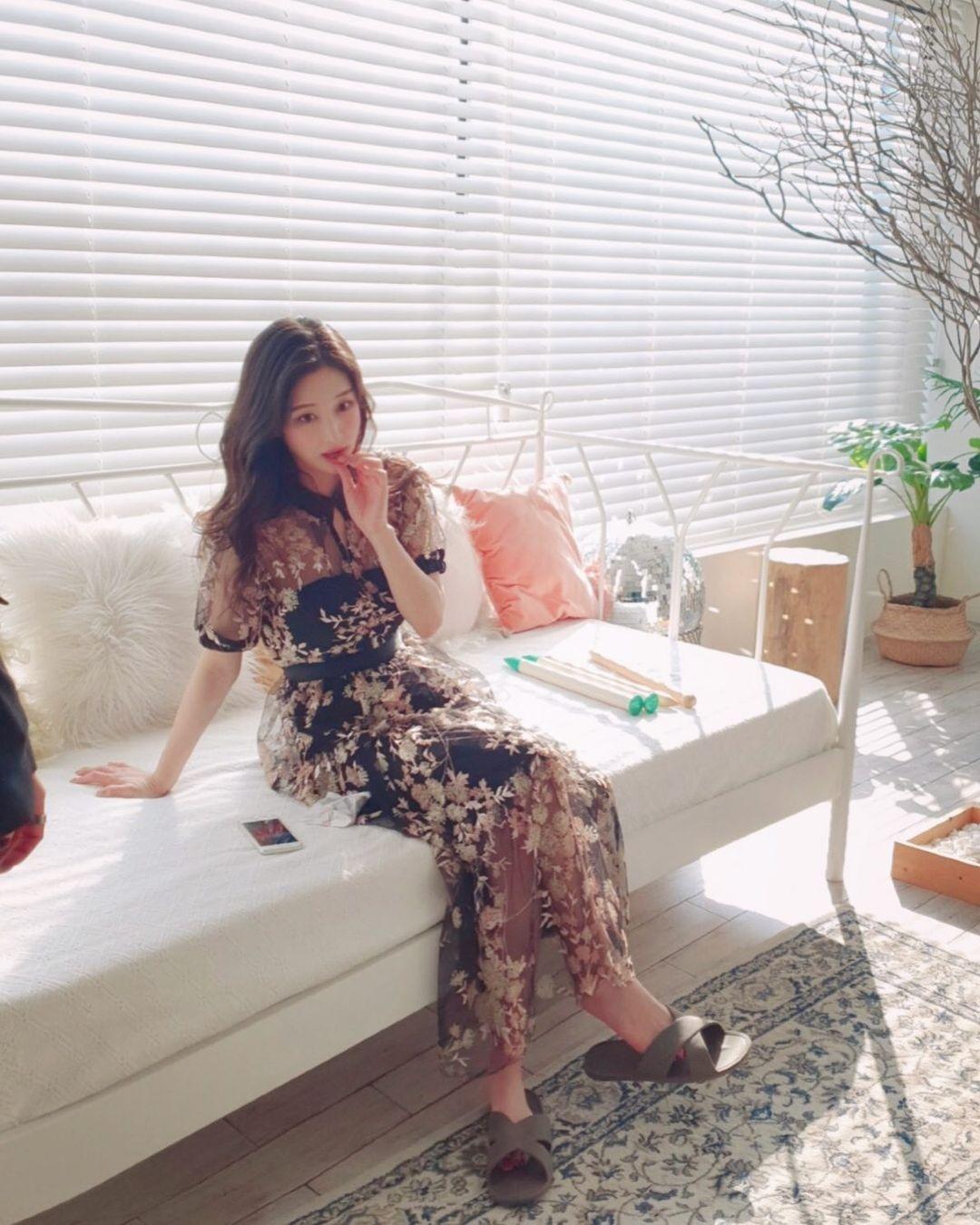 Nữ sinh trường đại học danh giá Hàn Quốc bỏ nghề MC đài trung ương đi làm mẫu nội y - hình ảnh 7