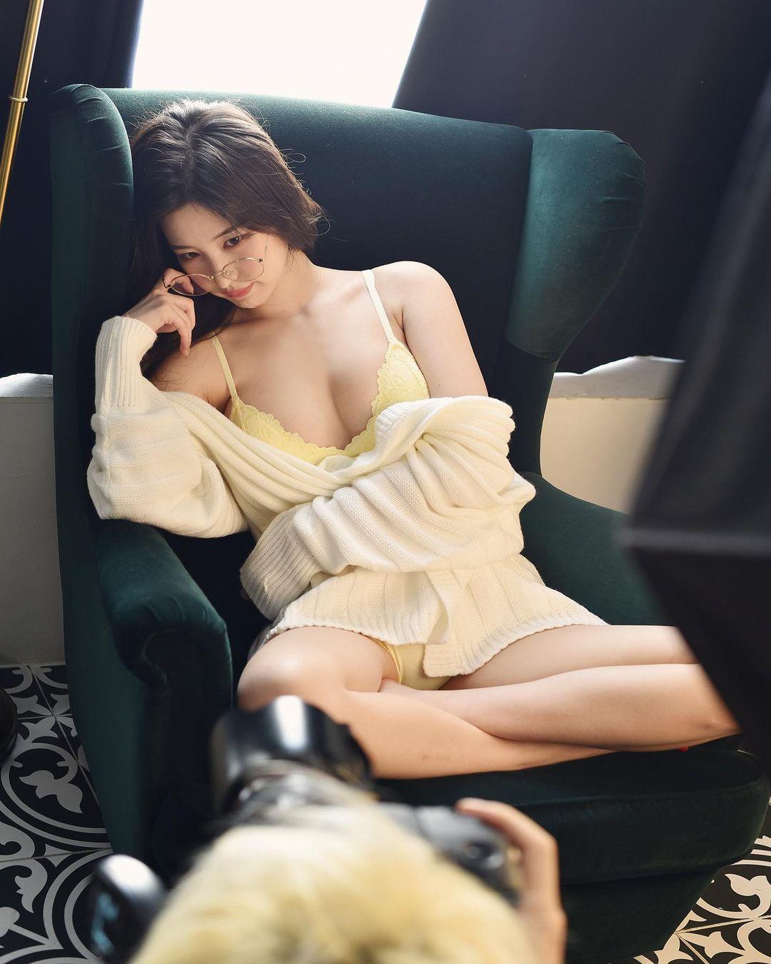 Nữ sinh trường đại học danh giá Hàn Quốc bỏ nghề MC đài trung ương đi làm mẫu nội y - hình ảnh 5