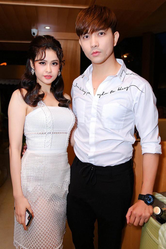 Tim khoe ảnh bạn gái mới sau 3 năm ly hôn Trương Quỳnh Anh? - hình ảnh 4