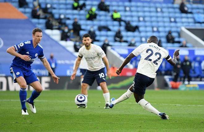 Video Leicester - Man City: 2 đòn choáng váng, tiến sát ngôi vương - 1