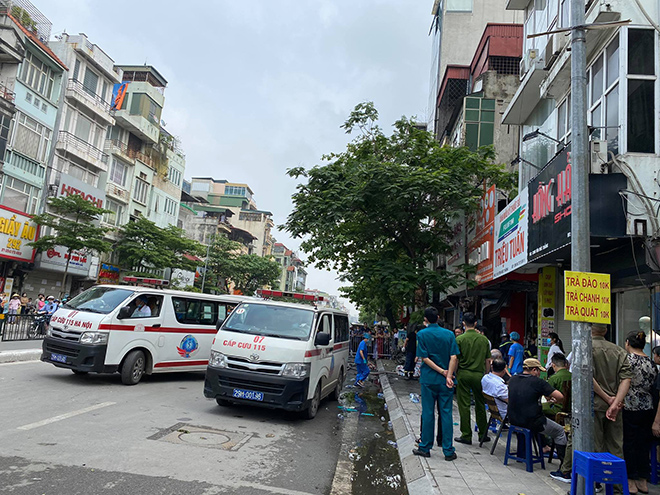 """Vụ cháy 4 người chết ở Hà Nội: """"Mẹ ôm con gái 10 tuổi vào trong lòng… """" - hình ảnh 3"""