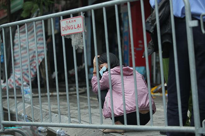"""Vụ cháy 4 người chết ở Hà Nội: """"Trời ơi… Em tôi đang mang thai cháu thứ hai"""" - hình ảnh 2"""