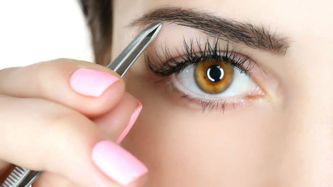 Cách chăm sóc lông mày dày dặn giúp chị em tươi duyên nét ngài sắc sảo - hình ảnh 1