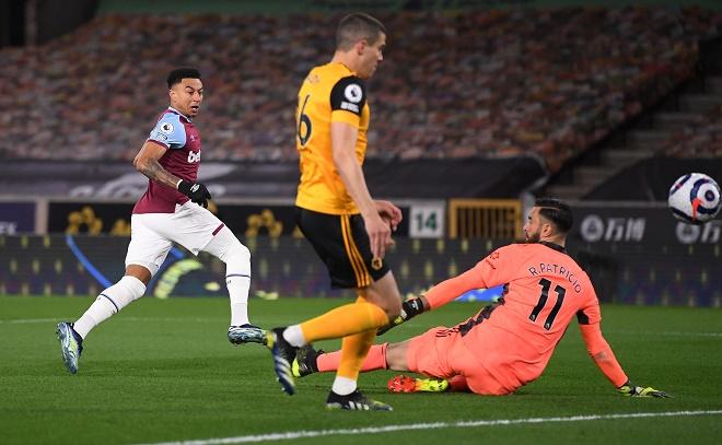 Lingard solo ghi bàn ngoạn mục từ sân nhà, xứng đáng tranh giải đẹp nhất 2021 - 1