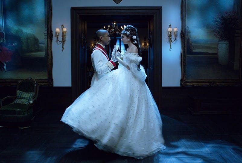 """5 sự kết hợp """"ăn tiền"""" của siêu sao Pharrell Williams và các ông lớn thời trang - hình ảnh 2"""