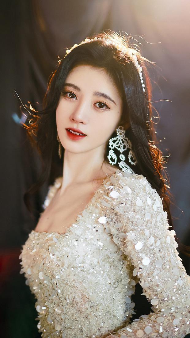 Park Min Young, Cúc Tịnh Y: 'Vịt hóa thiên nga' thành công nhất showbiz Hàn, Trung - 13