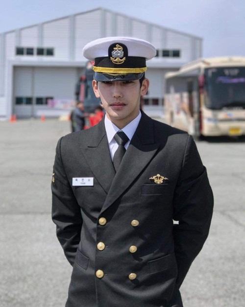 Không phải minh tinh màn bạc, đây mới là chàng soái ca được ngưỡng mộ nhất Hàn Quốc - 7