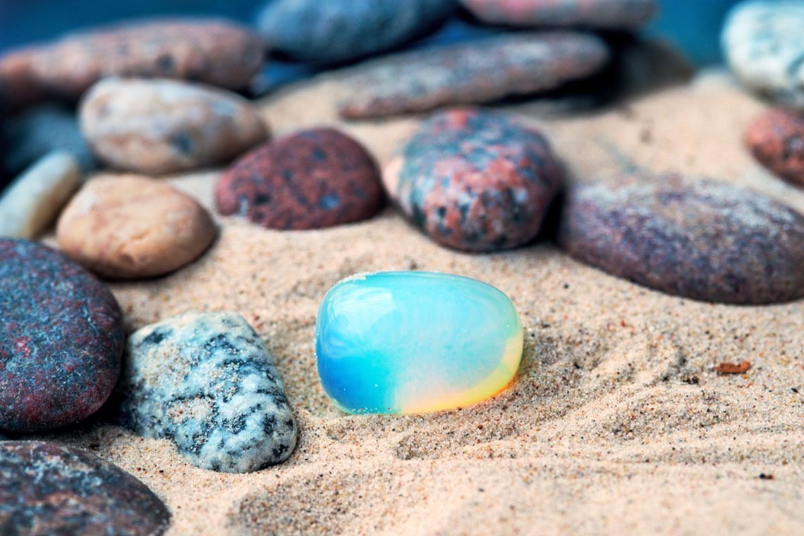 Bí quyết chọn trang sức đá sinh năng lượng may mắn cho 12 cung hoàng đạo - hình ảnh 7