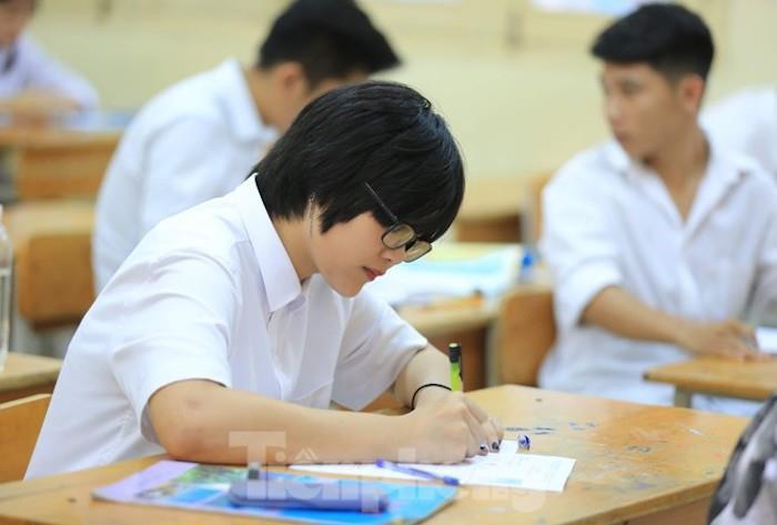 Chưa có căn cước công dân, thí sinh dự thi tốt nghiệp THPT năm 2021 thế nào? - 1
