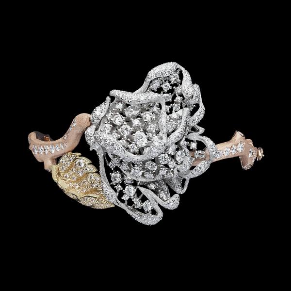 Dior ra mắt bộ sưu tập trang sức xa xỉ tràn ngập hoa hồng - 5