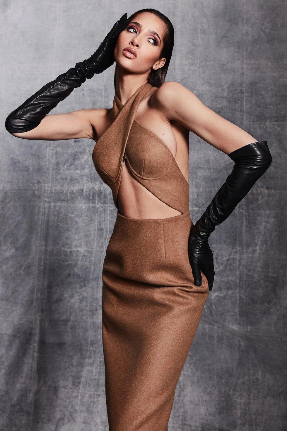Những chiếc găng tay là món đồ hot nhất sàn diễn thời trang vừa qua - hình ảnh 5