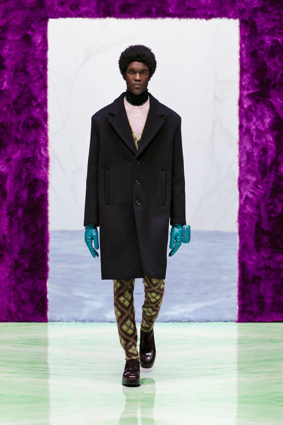 Những chiếc găng tay là món đồ hot nhất sàn diễn thời trang vừa qua - hình ảnh 6