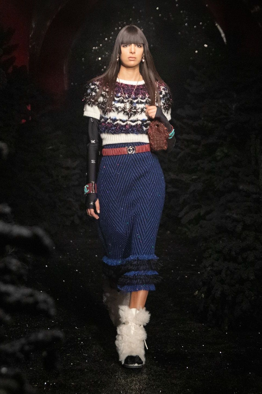 Những chiếc găng tay là món đồ hot nhất sàn diễn thời trang vừa qua - hình ảnh 8