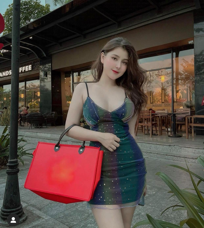 Nữ sinh lai Việt-Mỹ hot nhất Sài thành chuộng váy áo táo bạo tôn nét đẹp phồn thực - hình ảnh 6
