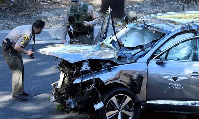 Nóng nhất thể thao tối 8/4: Tiger Woods gặp nạn ở tốc độ 135 km/h - 1