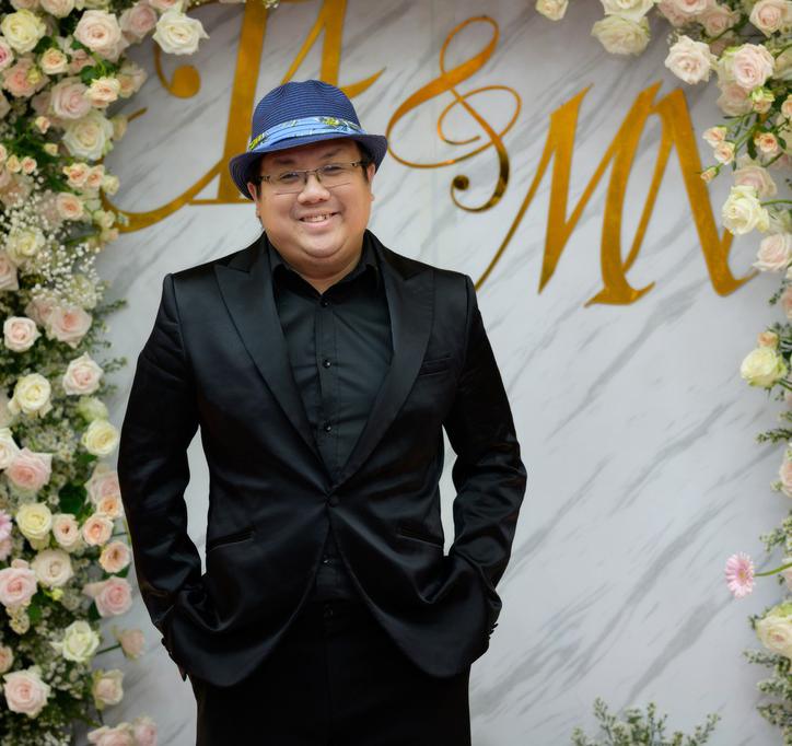 """Sao Việt dự đám cưới của """"hoa hậu Bolero"""" được chồng tặng 15 sổ tiết kiệm - hình ảnh 3"""