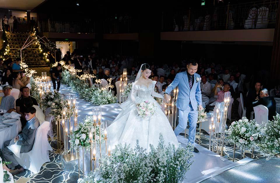 """Sao Việt dự đám cưới của """"hoa hậu Bolero"""" được chồng tặng 15 sổ tiết kiệm - hình ảnh 6"""