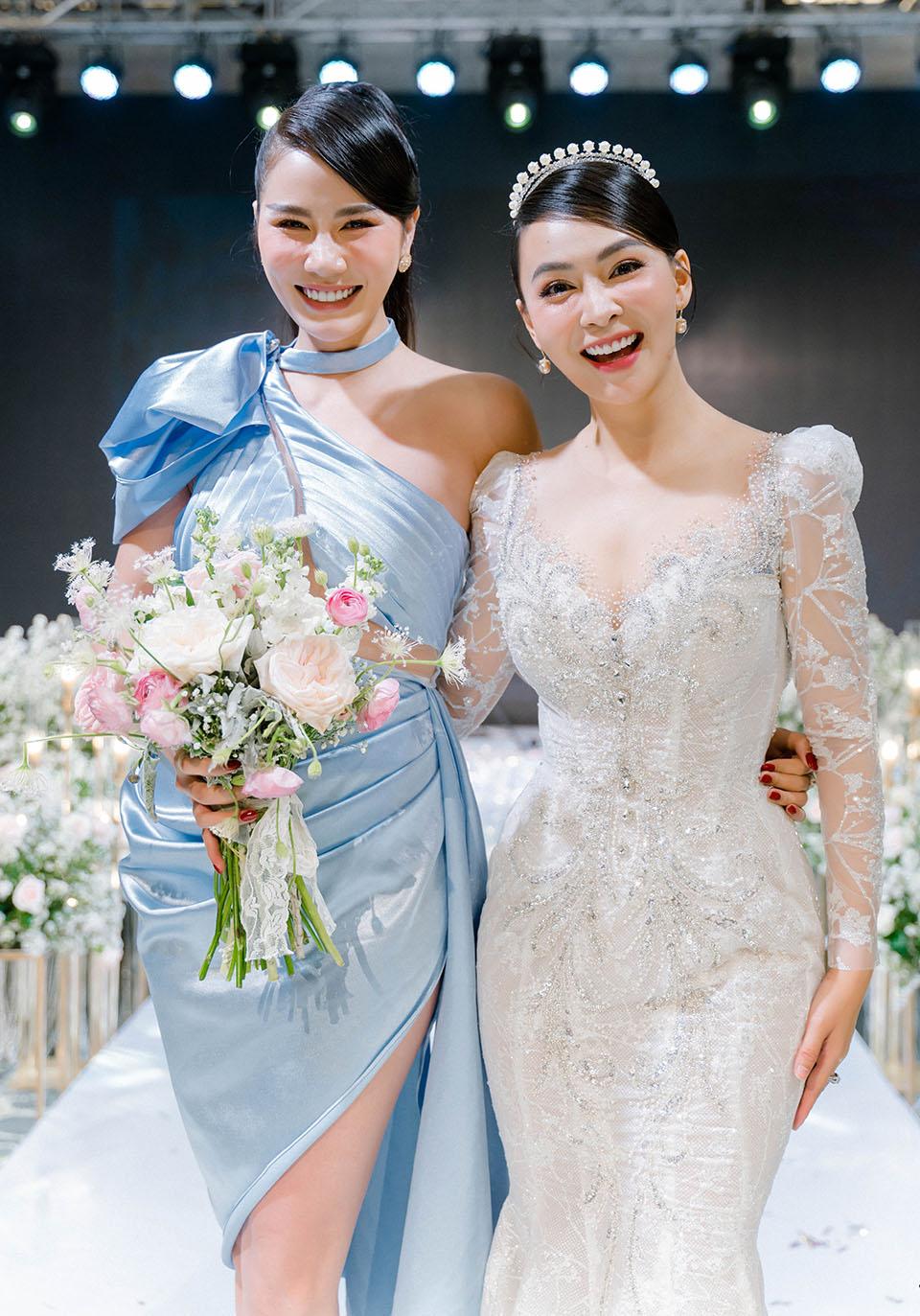 """Sao Việt dự đám cưới của """"hoa hậu Bolero"""" được chồng tặng 15 sổ tiết kiệm - hình ảnh 4"""