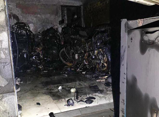 5 người mắc kẹt trong căn nhà 3 tầng bốc cháy ở Sài Gòn - hình ảnh 1