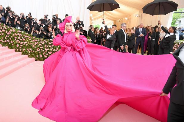 Siêu tiệc thời trang Met Gala sẽ trở lại trong năm 2021? - hình ảnh 1