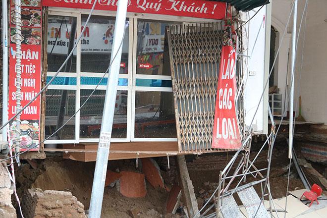 """""""Hố tử thần"""" ở Hà Nội vẫn tiếp tục lan rộng - 2"""