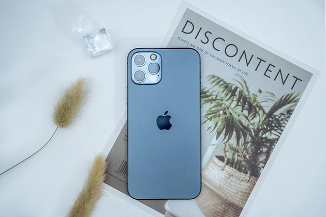 iPhone 12 xưng vương trên thị trường toàn cầu - 1