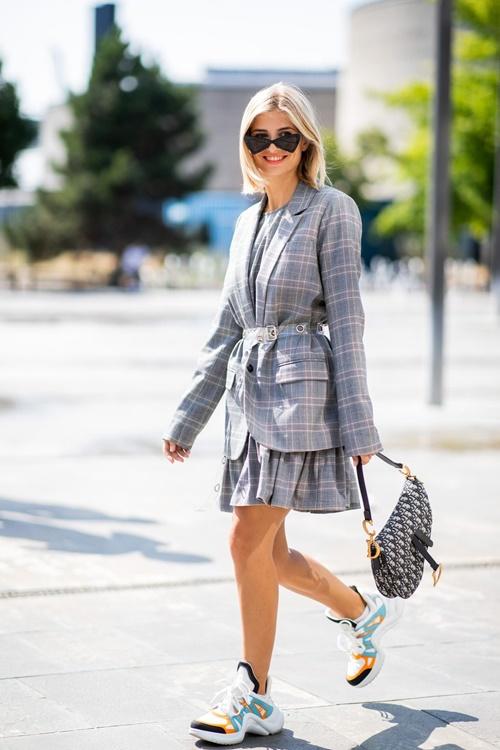 1001 ý tưởng trang phục mùa hè cho quý cô công sở - 1