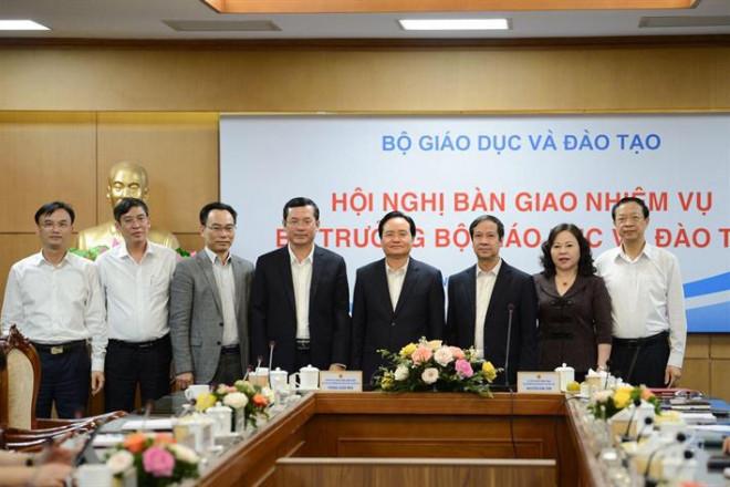 Ông Phùng Xuân Nhạ bàn giao nhiệm vụ cho tân Bộ trưởng Nguyễn Kim Sơn - 2