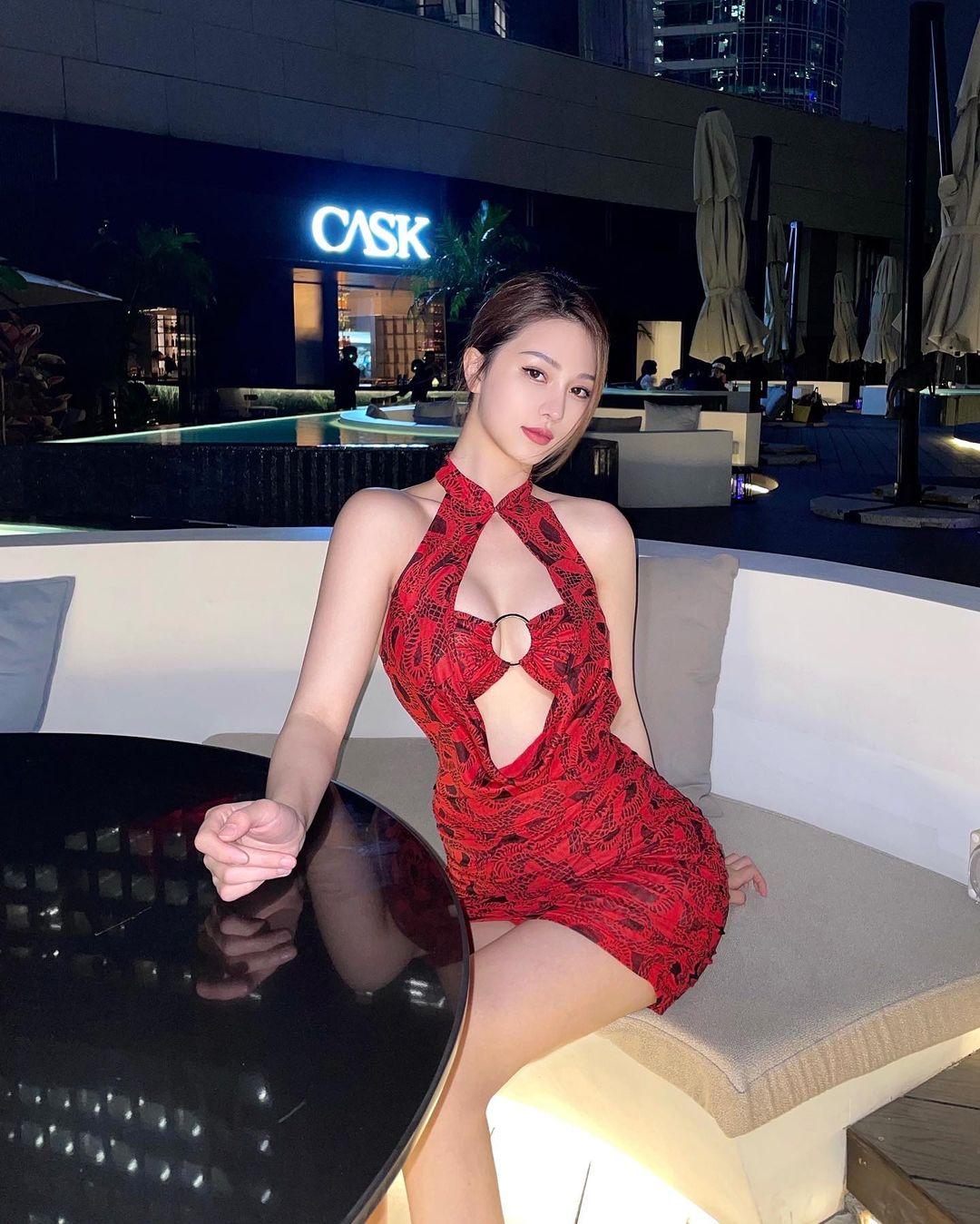 """3 """"hot mom"""" Trung Quốc mặc kiểu """"gái son"""" khoe vẻ thanh xuân khó tin - hình ảnh 4"""