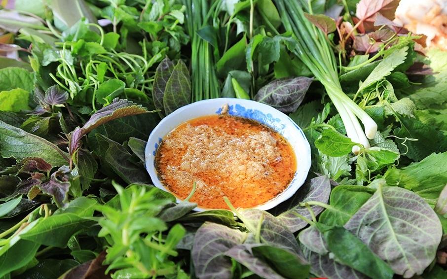 Món đặc sản ít thịt, nhiều lá khiến ai cũng mê mẩn - 3
