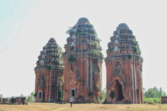 Mê hoặc tháp Chăm Bình Định - 4
