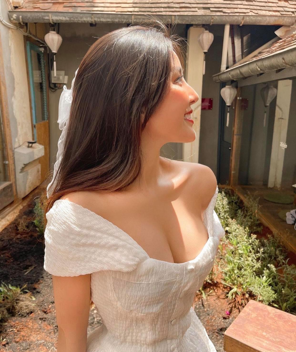 """Nữ sinh hot số 1 Sài thành chỉ cách tăng 5 – 10cm ngực, khẳng định """"không nói điêu"""" - hình ảnh 3"""