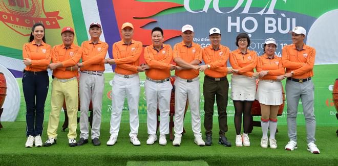 """Hoa hậu Jennifer Phạm cùng dàn chân dài mê chơi golf """"không hẹn mà gặp"""" - hình ảnh 1"""