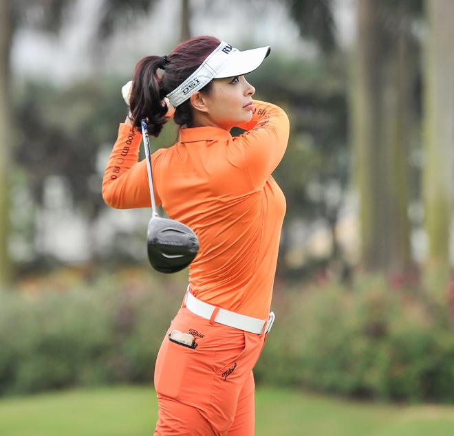 """Hoa hậu Jennifer Phạm cùng dàn chân dài mê chơi golf """"không hẹn mà gặp"""" - hình ảnh 7"""