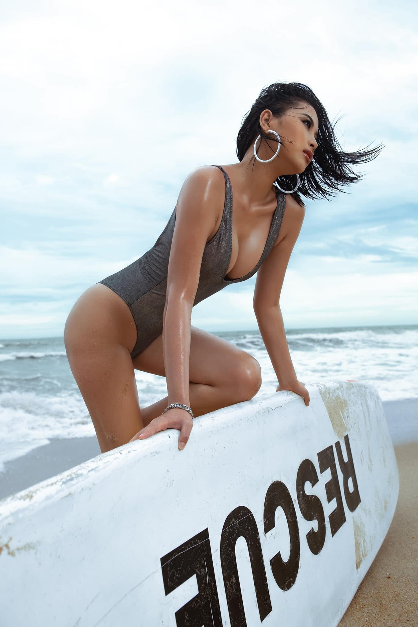Người đẹp biển xứ Nghệ giữ dáng như giữ lửa, thân hình nóng bỏng hơn nắng hè - hình ảnh 2